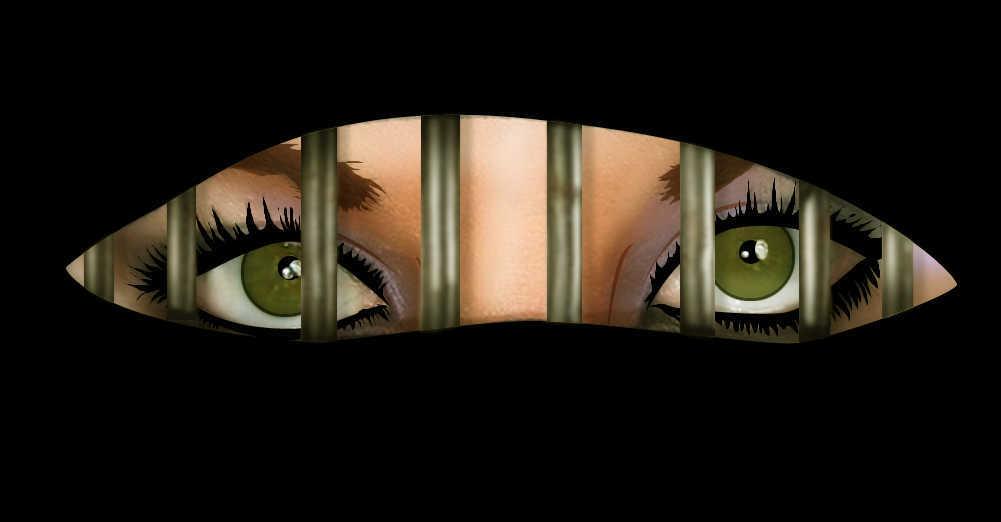 היא שינתה שם ופנים אחרי שניסו לרצוח אותה. רק העיניים מסגירות את הסוד