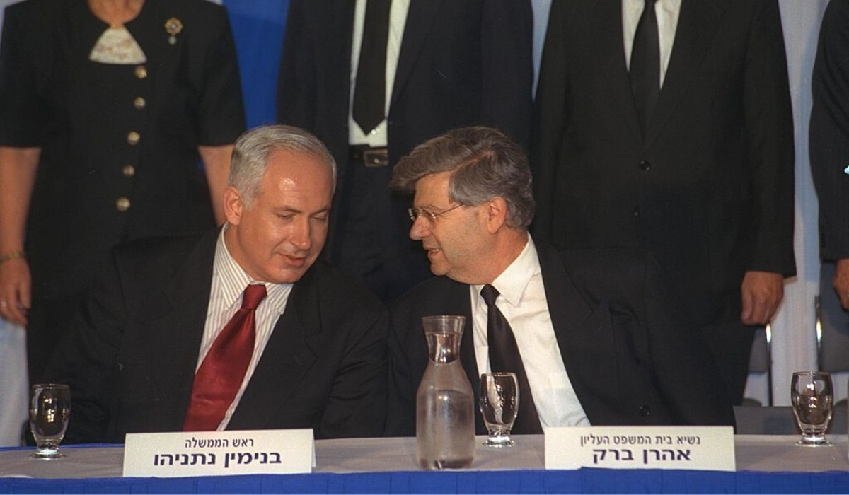 תמונה מהאלף הקודם: אהרון ברק וביבי נתניהו (1998) | צילום: אבי אוחיו לע״מ