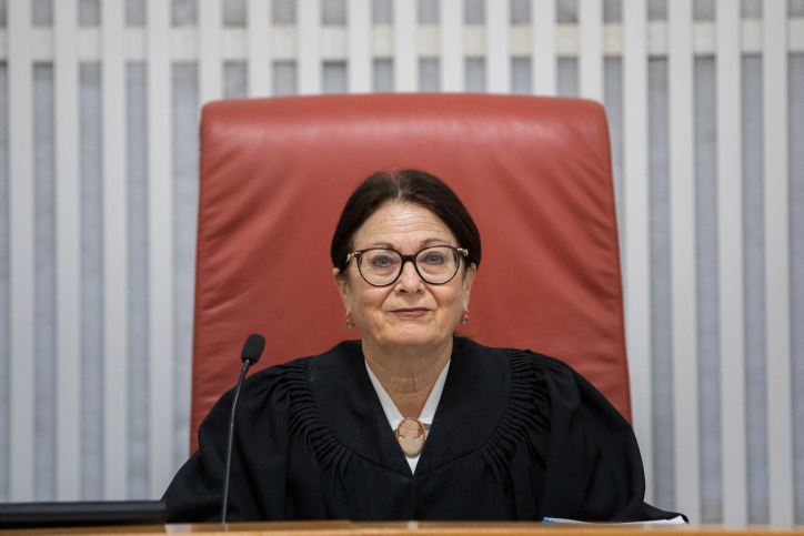 לשפוט את השופטים? נשיאת בית המשפט העליון, אסתר חיות | צילום: יונתן סינדל, פלאש 90