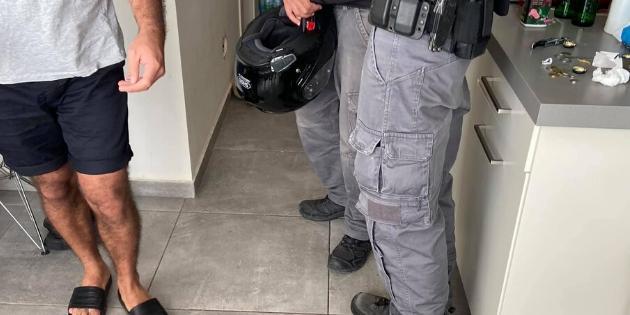 עיכוב לחקירה של פאדי עלואן | צילום: זיזו אבו אלהוא
