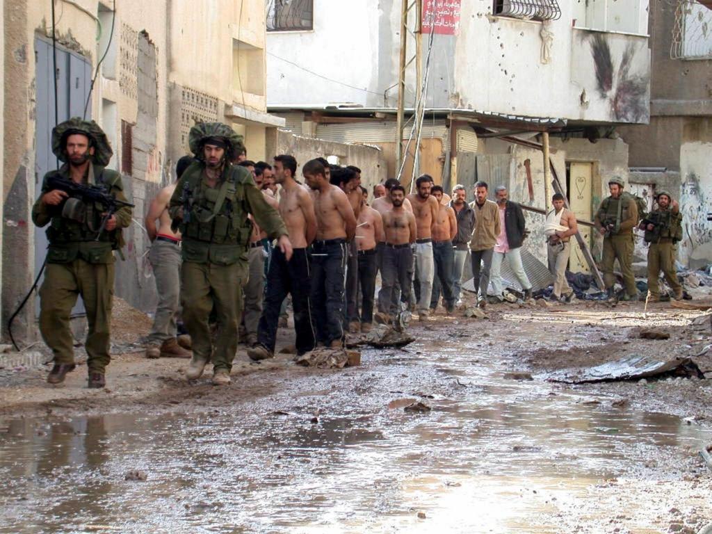 עצורים בג'נין במבצע חומת מגן | צילום: אוסף התצלומים הלאומי